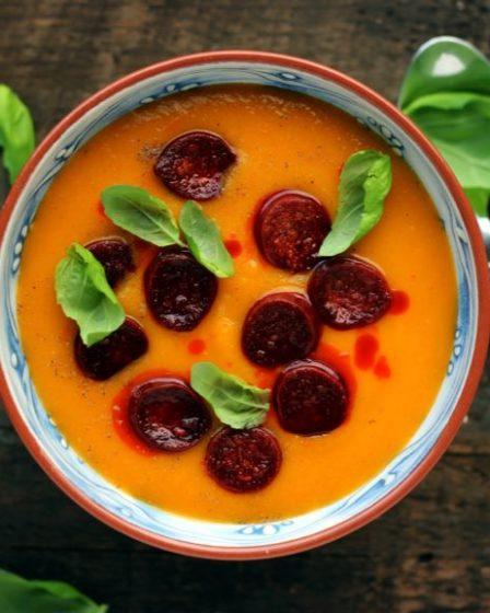 Суп из болгарского перца с чоризо-1