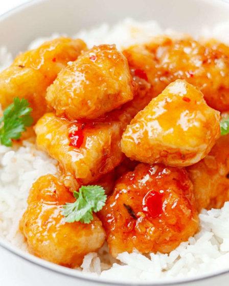 Кокосовая курица в сладком соусе чили