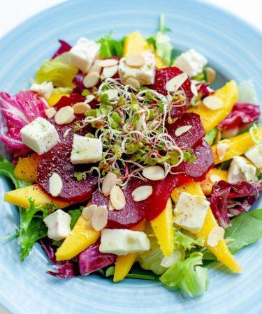 Салат из свеклы и манго